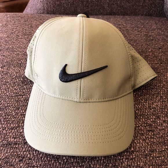 1ddabaaf8 Men's Nike Golf Hat NWT
